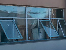 Ventanas de aluminio proyectantes en Chile